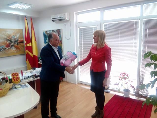 Донација на флејти за оркестарот од Крива Паланка
