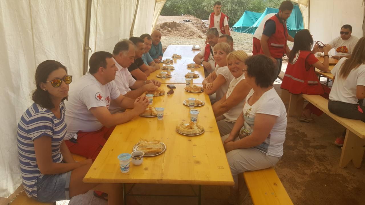 Градоначалникот Арсенчо Алексовски ги посети учесниците на тренинг кампот во с.Трново