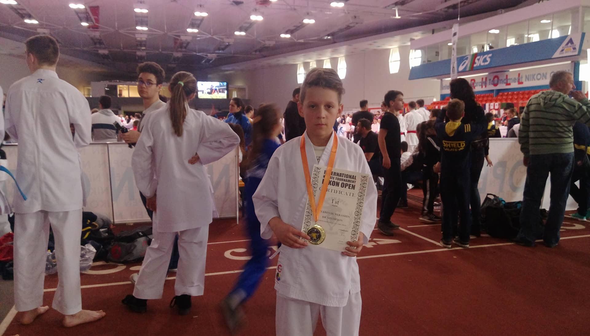 """Вукашин Јовановиќ со златен медал од """"Никон опен"""""""