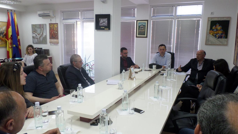 Градоначалникот Мицевски оствари работна средба со претседателот на Стопанската комора, Бранко Азески и координативното тело на локалните стопанственици