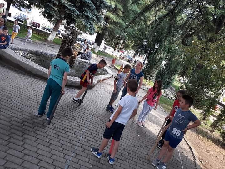 """""""Излези да играме"""" во Крива Паланка"""