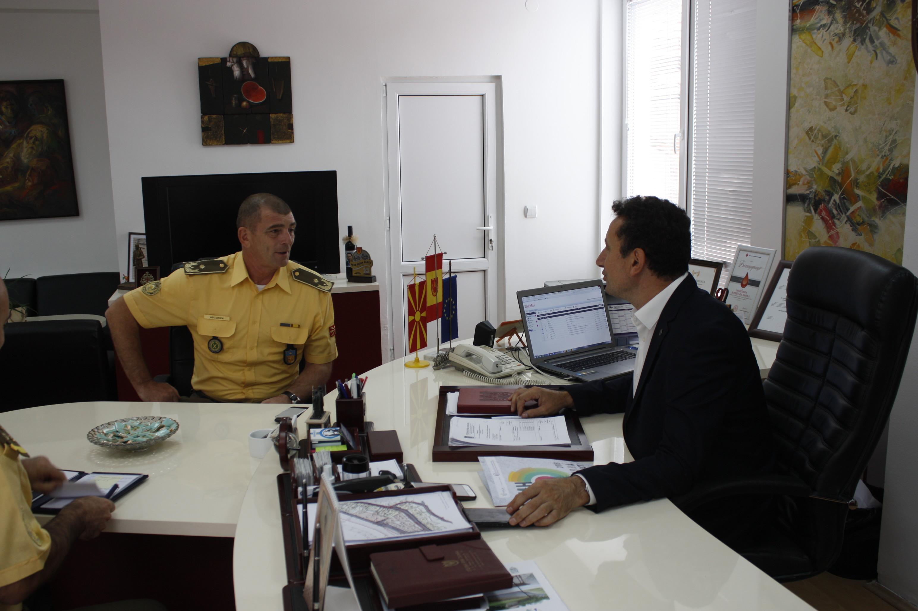Градоначалникот Мицевски оствари средба со командантот на Здружената оперативна команда