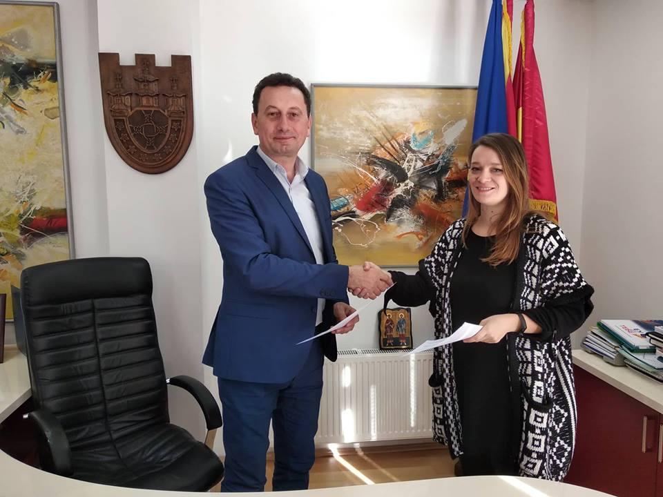 """Потпишан меморандум меѓу """"ТАКТ"""" и Општина Крива Паланка за развој на спортот"""