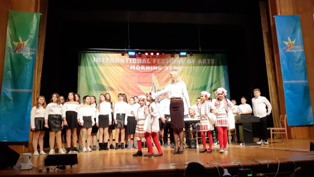 "Прва награда на ""Утринска ѕвезда"" за музичко-сценскиот перформанс на основците од ""Јоаким Крчовски"""