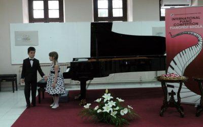 "Младите пијанисти од Крива Паланка лауреати на ""Пијанофест 2019″"