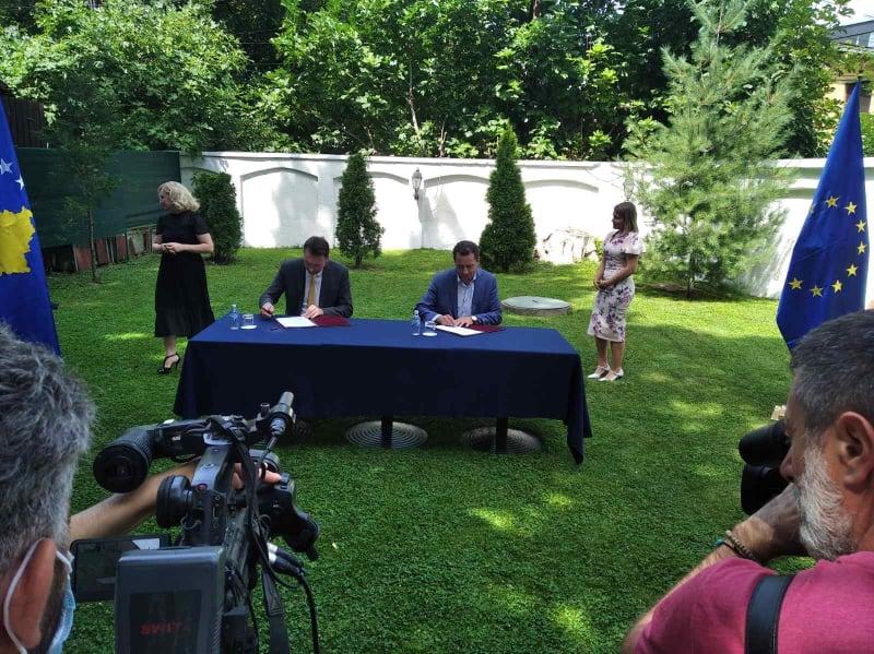 Потпишан договор за кофинансирање на проект за прекугранична соработка со Бугарија